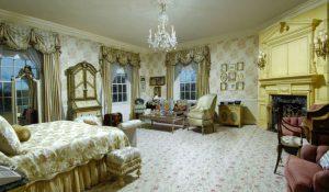 kamar tidur rumah donald trump